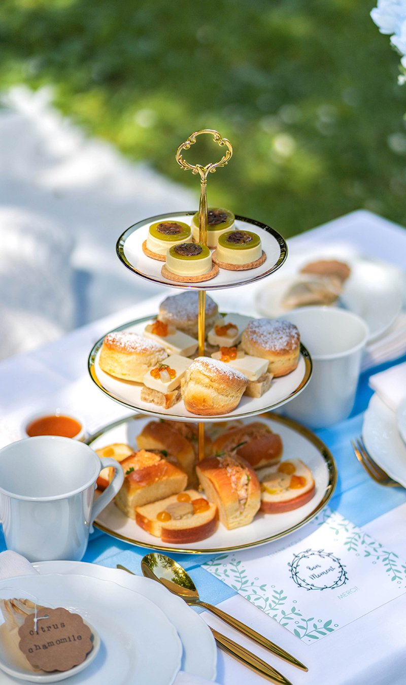 Afternoon tea set by Bon Moment.